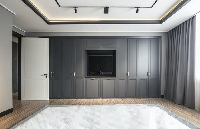 Vstavane skrine na mieru do obývačky aj spálne